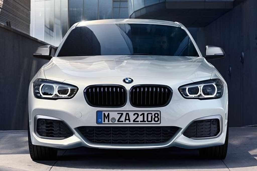 BMW1(前)