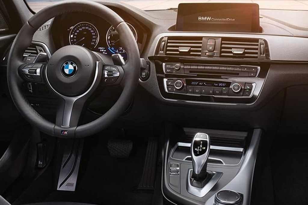 BMW1(室内)