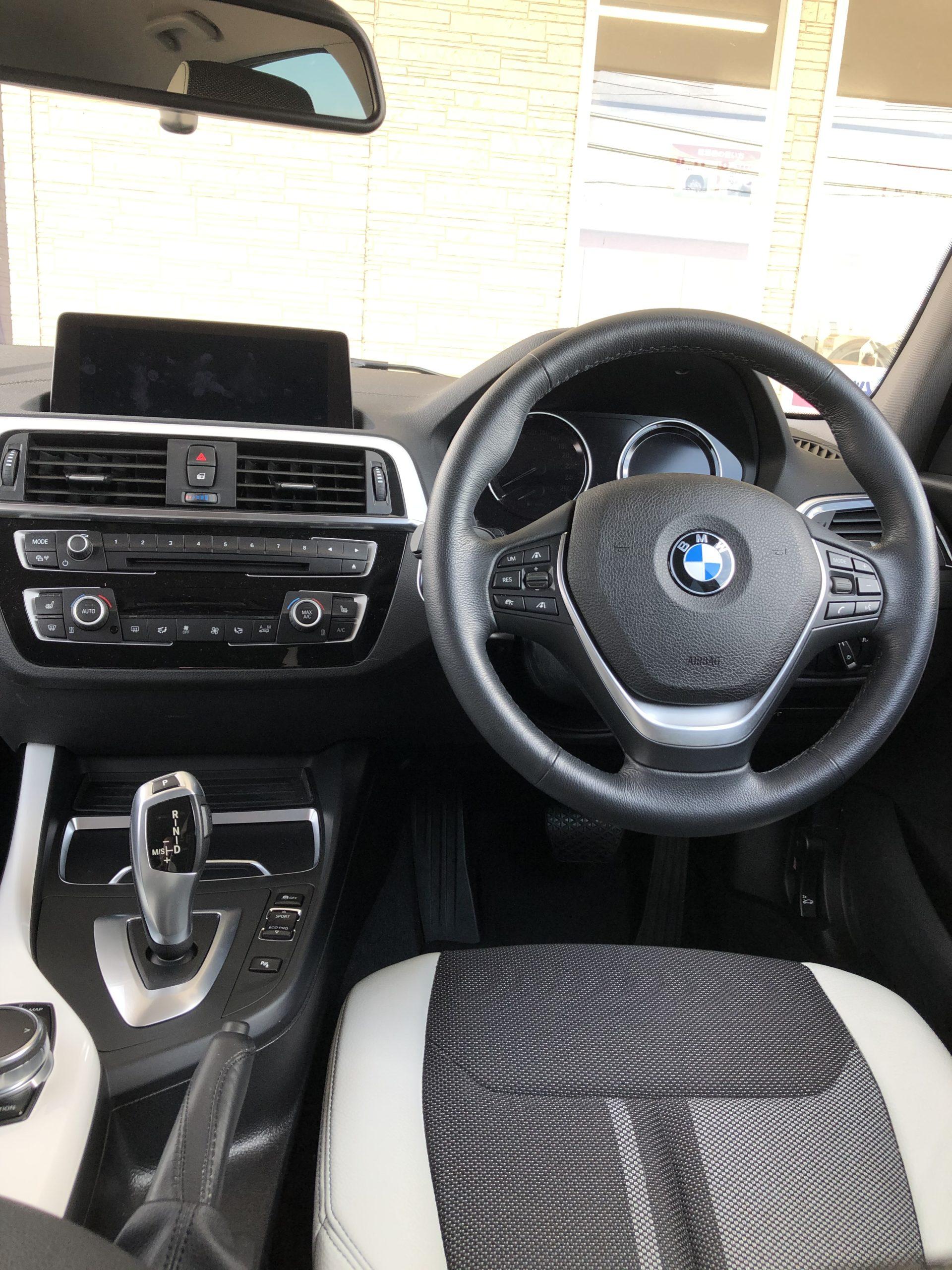BMW運転席